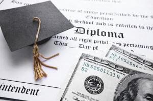 El costo de su educación también afecta a su crédito