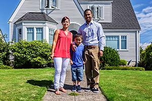 Latinos podrían rescatar el mercado inmobiliario