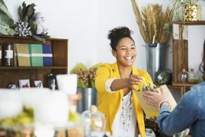 ¿Cuál es el Aporte Económico de las Mujeres que son Dueñas de Negocios?