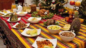 ¿Cuánto gasta una familia Latina promedio en comidas para las fiestas?