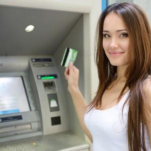 ¿Valen la pena los altos cargos de una tarjeta de crédito a cambio de recompensas?