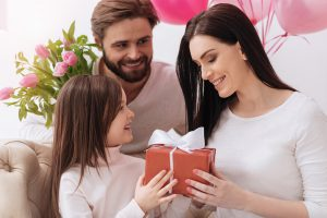 Este día de las madres, se gastará la cifra record de 23.6 mil millones de dólares en regalos
