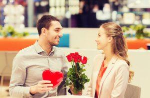 Cada 14 de Febrero los Enamorados Declaran su Amor Gastando Millones de Dólares