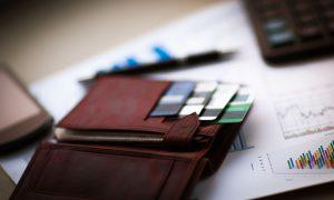 Investigación de la semana: Las deudas de tarjetas de crédito disminuyeron durante el mes de enero