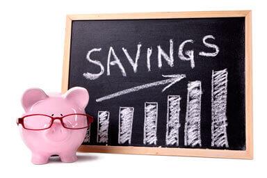 Pizarra y alcancia ahorros