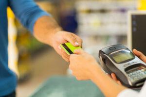 Lectores de tarjetas de crédito fraudulentos ocultos en los Supermercados Aldi