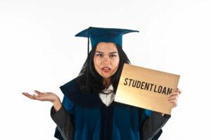 ¿Como le está afectando la deuda de préstamos estudiantiles?