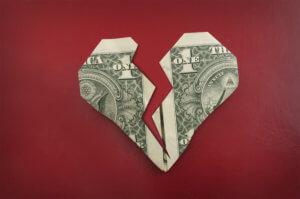 No es sorprendente que este año se haya visto unacaída récord en el gasto de las parejas para San Valentín.