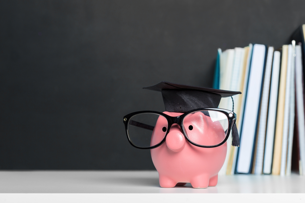 Alcancía para ahorrar y pagar la universidad