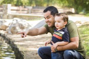 Padre soltero comparte con su hijo