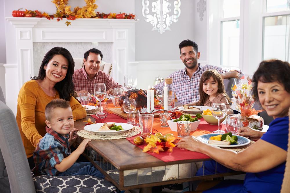 familia en Thanksgiving