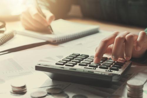 Reorganizar las finanzas personales es crucial para una buena salud financiera.