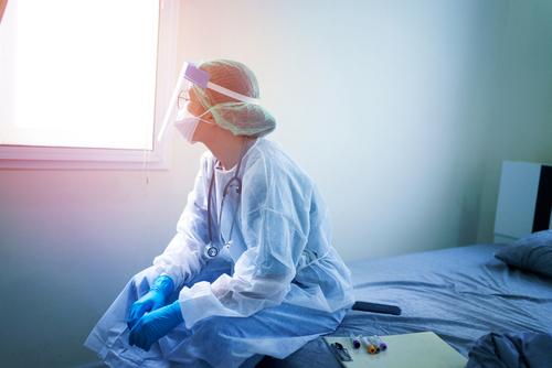 Mientras usted trabaja para salvar vidas, el dinero debería ser la menor de sus preocupaciones.