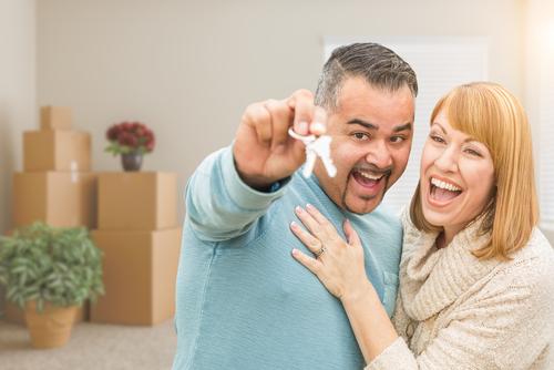 Los compradores de vivienda enfrentan nuevos obstáculos para aprovechar las tasas históricamente bajas.