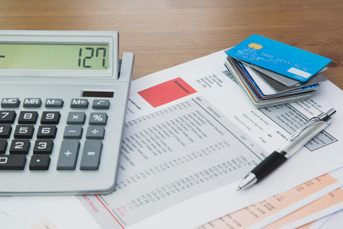 Si tiene una tarjeta de crédito, entonces tiene un pago mínimo.Esta guía explicará cómo funciona el pago mínimo de su tarjeta de crédito.