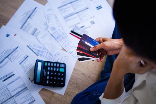 Incluso con números récord depagos de deuda, los hábitos crediticios de las personas han cambiado como resultado de la pandemia.