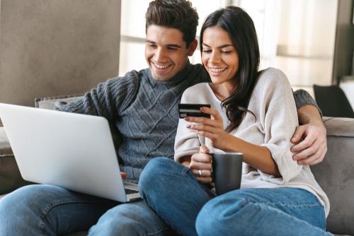 Todos los recursos de educación financiera están disponibles en español a través del sitio web de la Consolidated Credit.