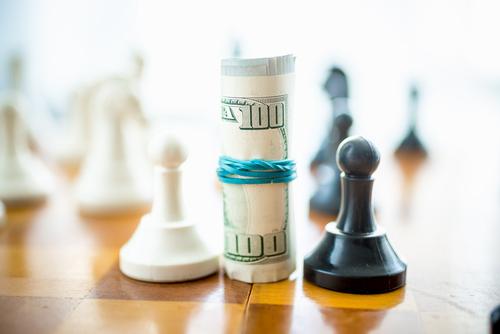Victoria Orrego de Consolidated Credit explica la razón por la que un programa de manejo de deudas puede ser más conveniente que la liquidación de deudas