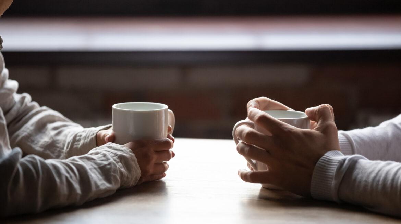 Victoria Orrego explica la importancia de la comunicación en una relación de pareja, en especial cuando se trata del tema de las deudas.