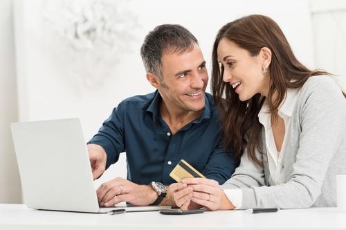 Consolidated Credit preparó una encuesta para conocer más de cerca los hábitos de uso del crédito de los hispanos.