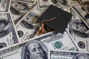 Student loan default rate piles up