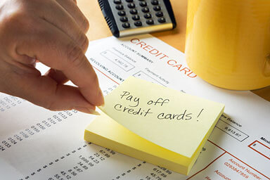 post-it note to pay off credit cards