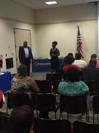 Consolidated Credit presented a well attended 1st Time Homebuyer Workshop at the Sunrise Library in Sunrise, FL. Attendees received important information from industry experts, from getting qualified for a mortgage to having a home inspection.