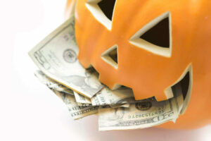 Halloween spending expectations - how to celebrate Halloween on a budget