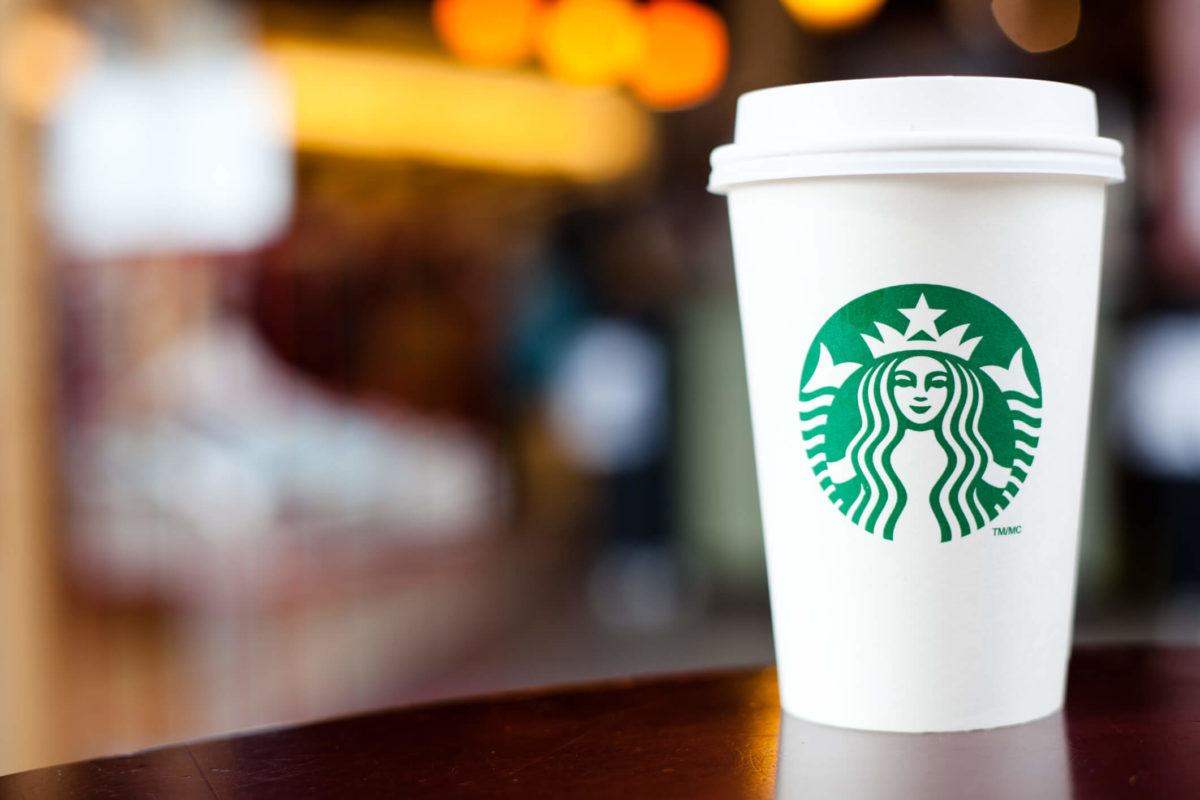 Starbucks may soon offer coffee rewards through a co-branded Visa Chase credit card