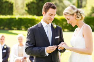 3 out of 4 couples take on credit card debt to put a ring on it