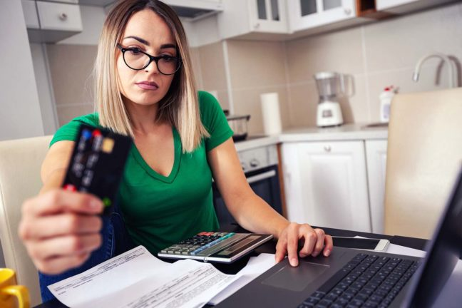 Mona was juggling 6 credit cards and trying to figure out how to pay off $25,000 in credit card debt